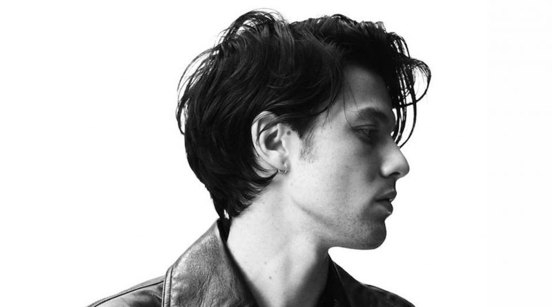 "James Bay vuelve a publicar un nuevo videoclip de su último disco ""Electric Light"". Este es el caso de una de ""Just For Tonight""."