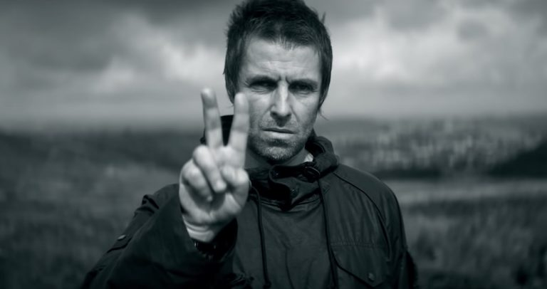 El emotivo videoclip de 'One of Us' de Liam Gallagher